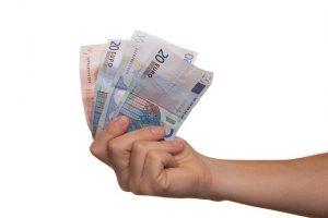 金融機関によっても融資条件は異なる