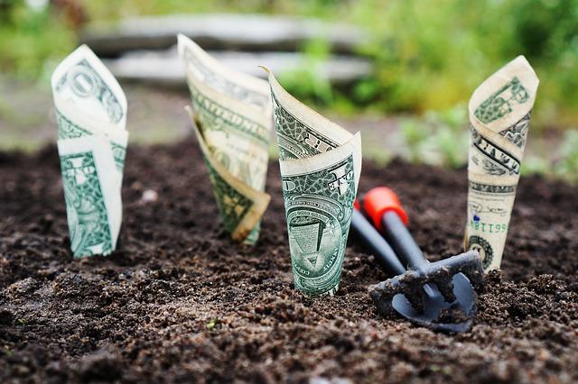アパートローンは変動金利か固定金利のどちらを選ぶべき?